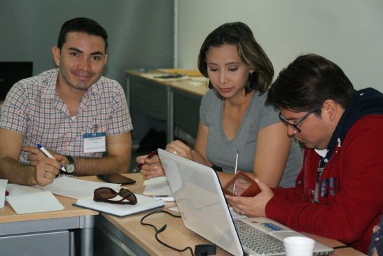 Participantes durante taller de Periodismo Digital. CC BY NC SA