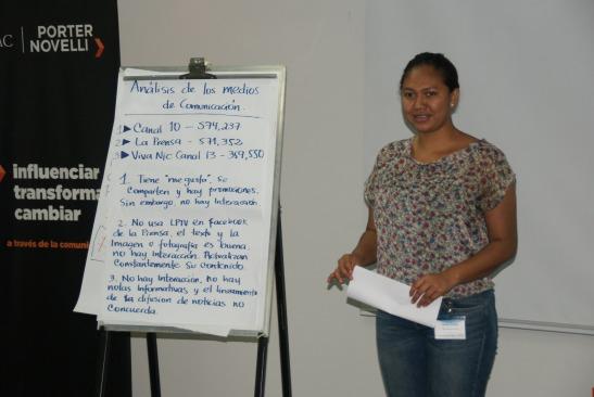 Participante durante taller de Periodismo Digital. CC BY NC SA