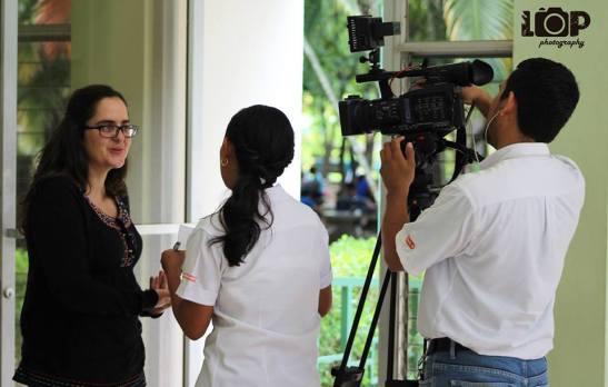 entrevistada en la UCA Vos TV